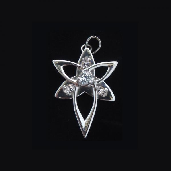 Suzy Ama Schmuckanhänger, Sterling Silber 4 cm Länge, mit Bergkristallen